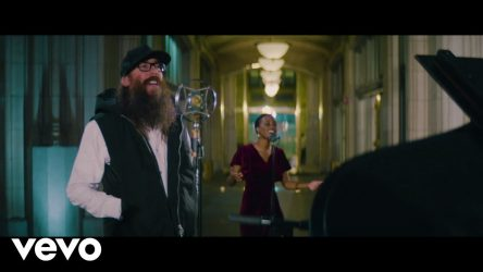 Passion – O Holy Night (Official Music Video) ft. Crowder